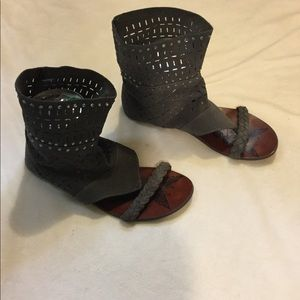 Not Rated Gray Suede Sandals 8